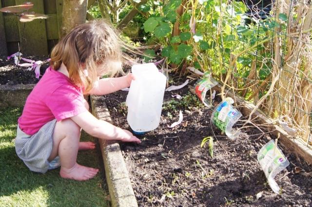 Edible garden: Kindvriendelijke watersproeier - mamaliefde