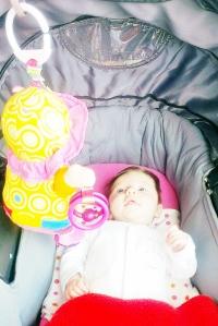 Meisjesmama: Baby's eerste pop Emily van lamaze - mamaliefde